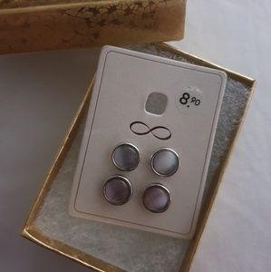 Jewelry - Beautiful set of 2 earrings